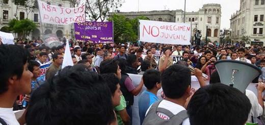 protestas-por-ley-laboral-juvenil